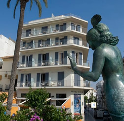 from Harley gay accommodation sitges