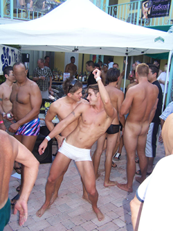 gay piss gallery galleries